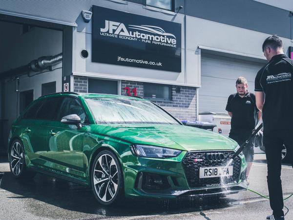 JF Automotive washing an Audi